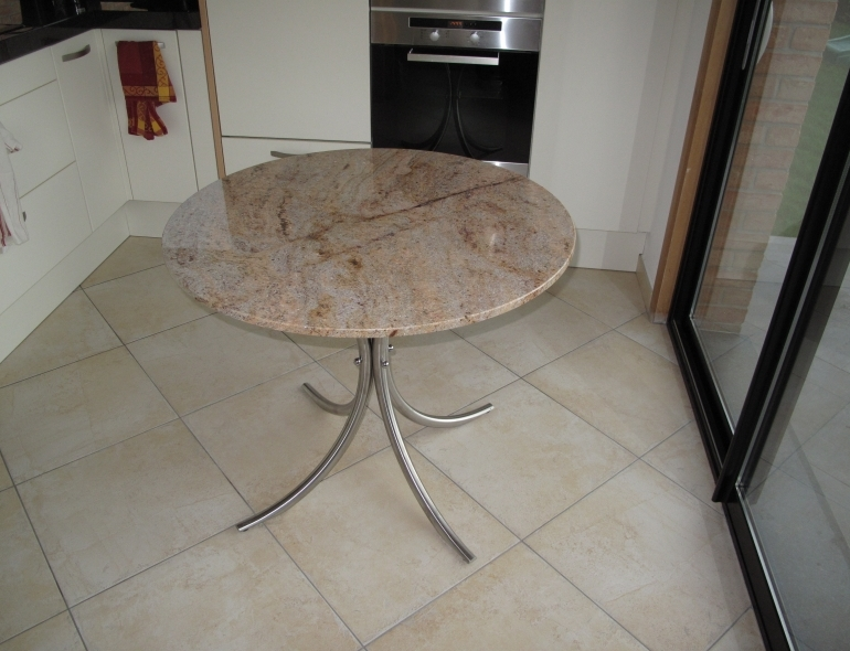 Mobilier table ronde